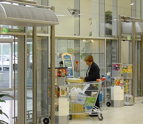 Entrance into supermarket gets automatic Biddle air curtains