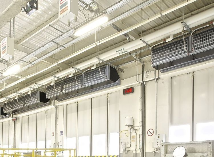 Industrial air curtain enhances fast logistics