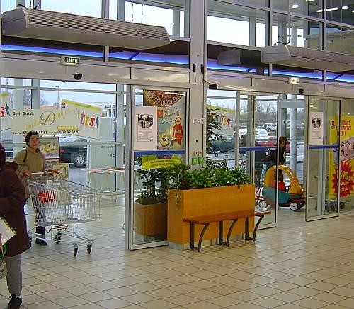 Optimal climate separation ensures constant indoor climate in supermarkets